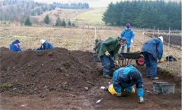 Fig. 18. Excavating a Palaeolithic site, Howburn 2005.